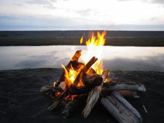 焚き火の方法とミニ知識、これで初心者も簡単にできるぞ!