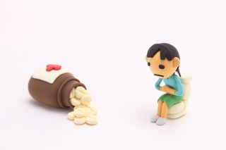 便秘に効くツボの押し方と腸内環境改善方法