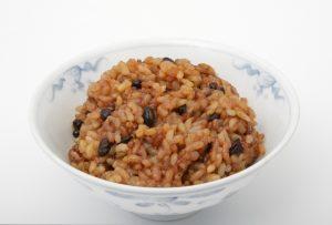 便秘解消に効く玄米生活で驚きの改善効果を体験中!